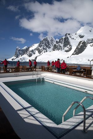 Paradise Bay, Lemaire Channel, Antarctica 280.jpg