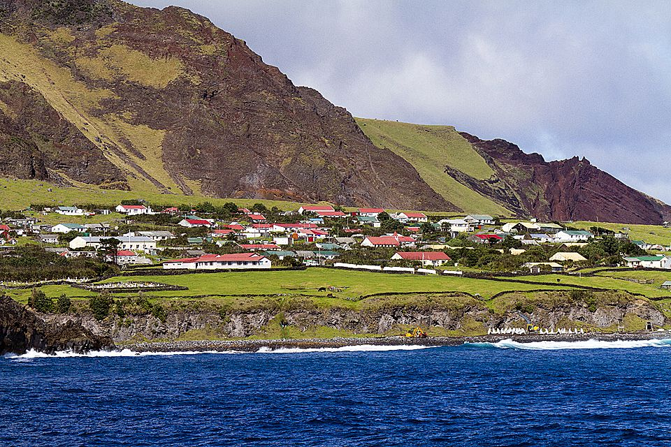 Tristan da Cunha, Nightingale & Inaccessible Islands | travelimages ...: www.travelimages.com.au/galleries/south-atlantic