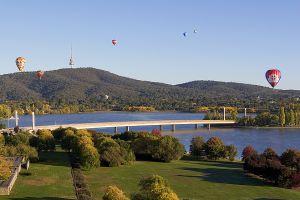 DIG-Ballons-Lake-Burley-Griffin.jpg