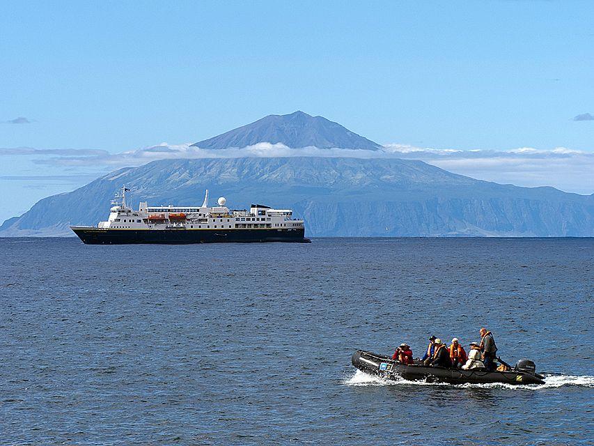 201203_Inaccessible_Island_0018.jpg